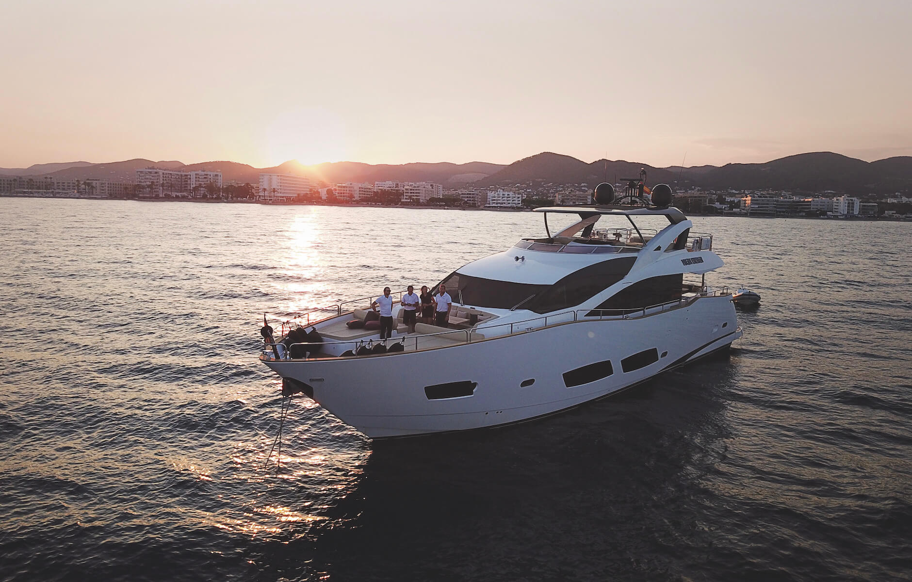 LUXURIA LIFESTYLE WELCOMES MEROS YACHT SHARING AS A NEW GLOBAL PLATINUM ADVERTISING PARTNER